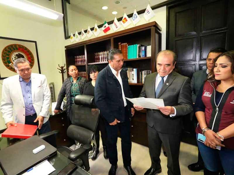 Alcalde de Toluca presenta a diputados proyecto para modernizar todo el sistema de alumbrado público