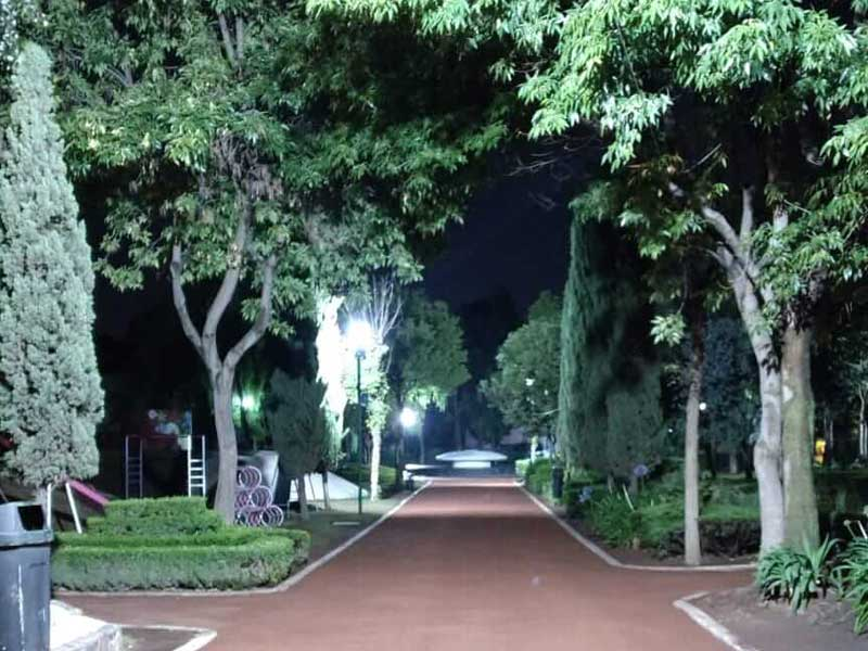 Gobierno de Toluca rehabilita alumbrado público del Parque Urawa