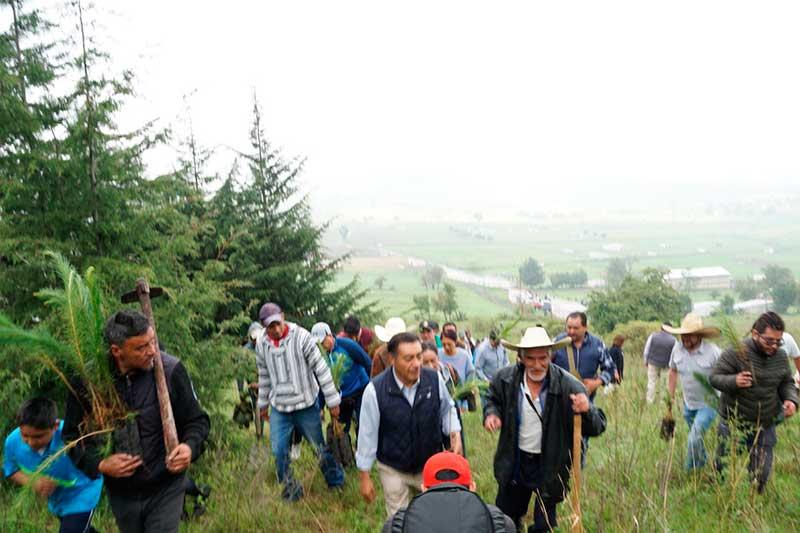 Unidos en Almoloya de Juárez para devolver su patrimonio ecológico al Cerro del Molcajete