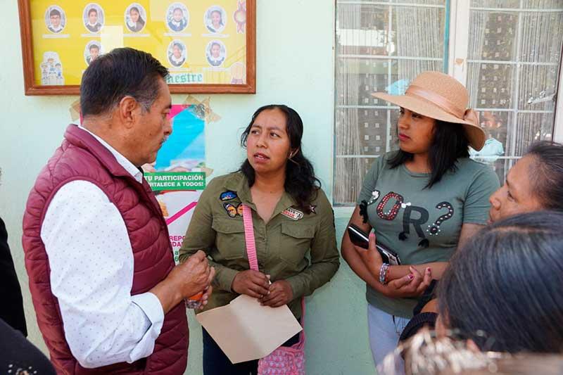 Alcalde de Almoloya de Juárez entrega remodelación en primaria afectada por sismos de 2017