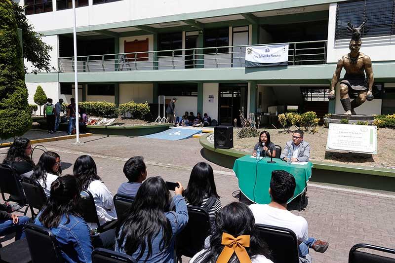 Facultad de Antropología realizó Feria de los Derechos Humanos