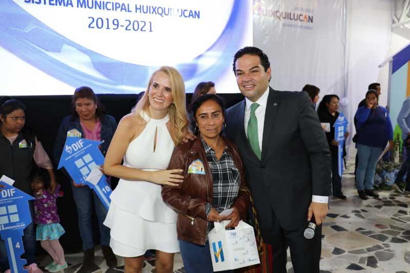 Se construirán 18 casas para mujeres de Huixquilucan