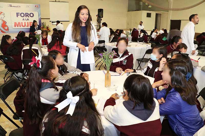 El gobierno de Huixquilucan realiza foros para adolescentes