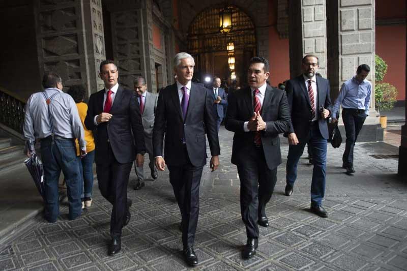 Gobernadores del PRI respaldan al gobierno federal en torno a la relación con EU