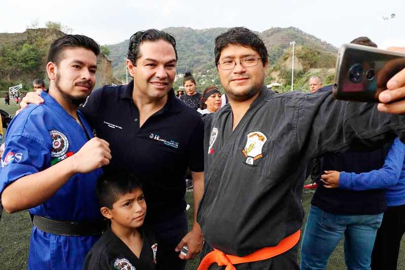 Familias de Huixquilucan celebran el día del deporte