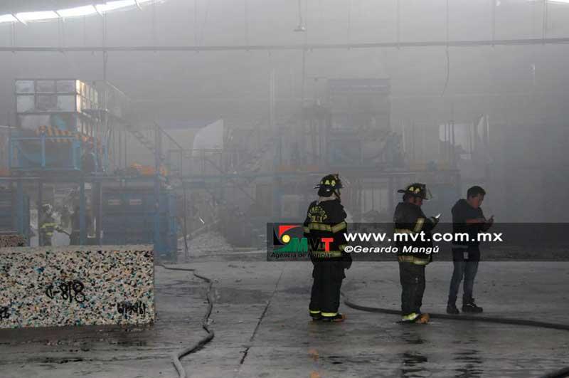 Incendio en la zona industrial de Toluca moviliza servicios de emergencia