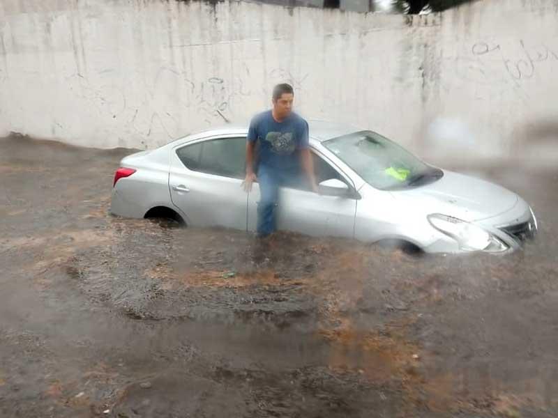 Servicios de emergencia de Metepec atendieron encharcamientos por lluvia