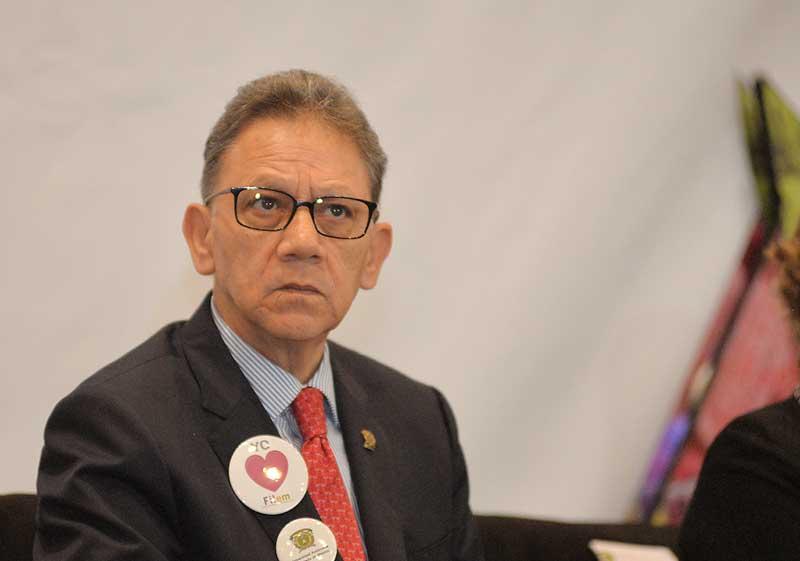 El Rector Alfredo Barrera redujo 21 por ciento su salario