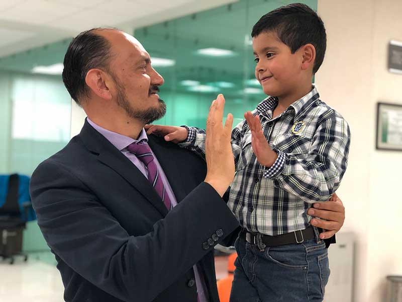 En promedio cada día un papá recibe la guarda custodia de sus hijos en el Edoméx