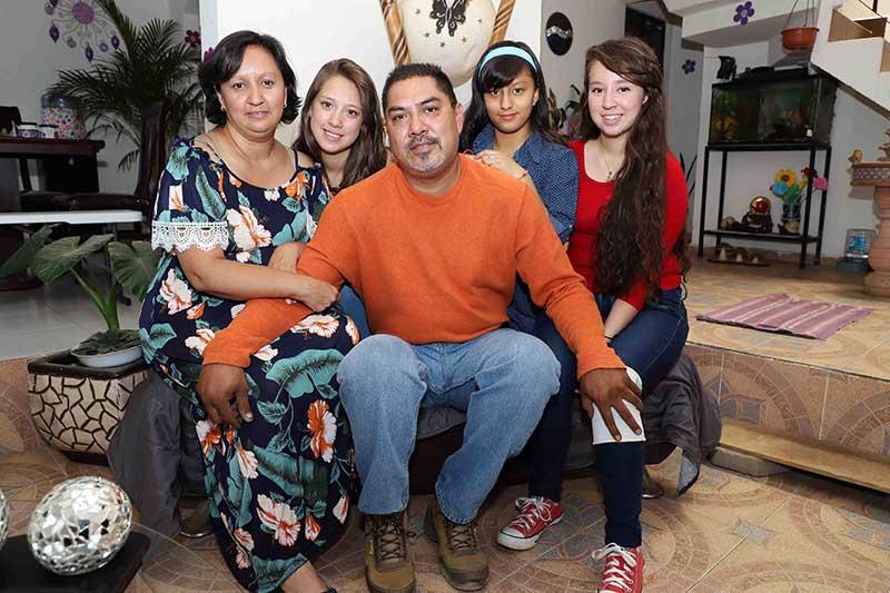 Ex policía de Toluca recibe prótesis de pierna con apoyo de la JAPEM