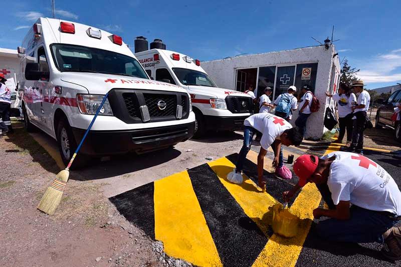 En solo unas horas 500 voluntarios rehabilitaron la Cruz Roja de Teotihuacán