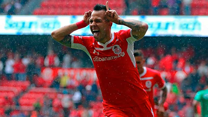 Rodrigo Salinas mantiene el sueño de la selección.