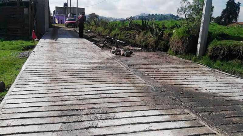 Avanza la construcción de drenaje sanitario en El Tepetatal y la pavimentación en Barrio La Tortuga