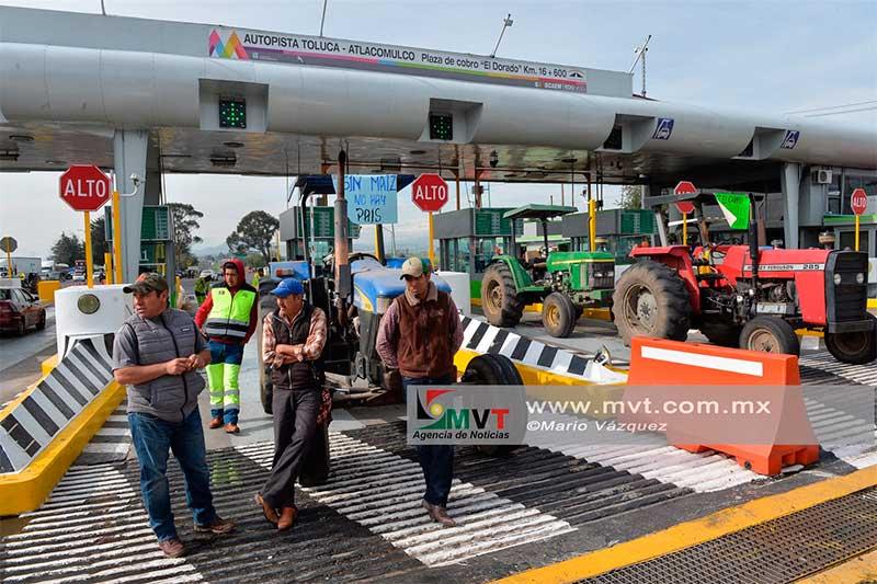 Protestan campesinos por cancelación de subsidios y apoyos para la producción de maíz