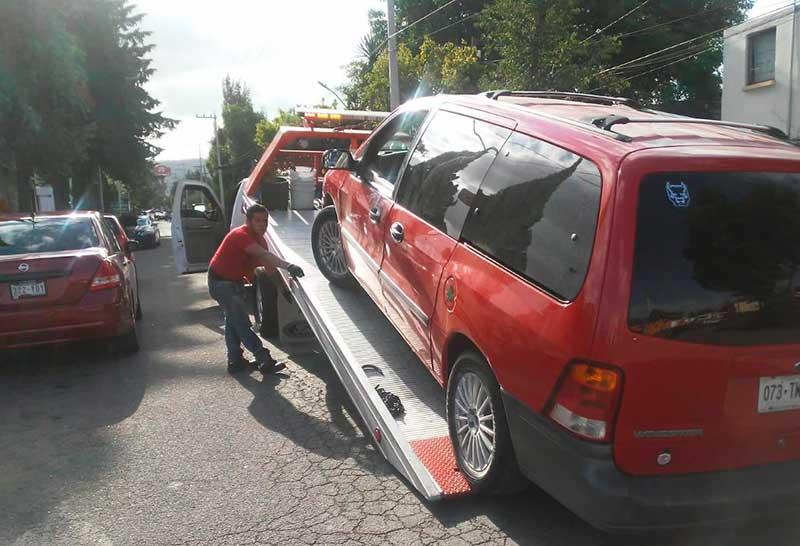 """Policías de Toluca detienen a carteristas de la banda del """"chillón"""""""