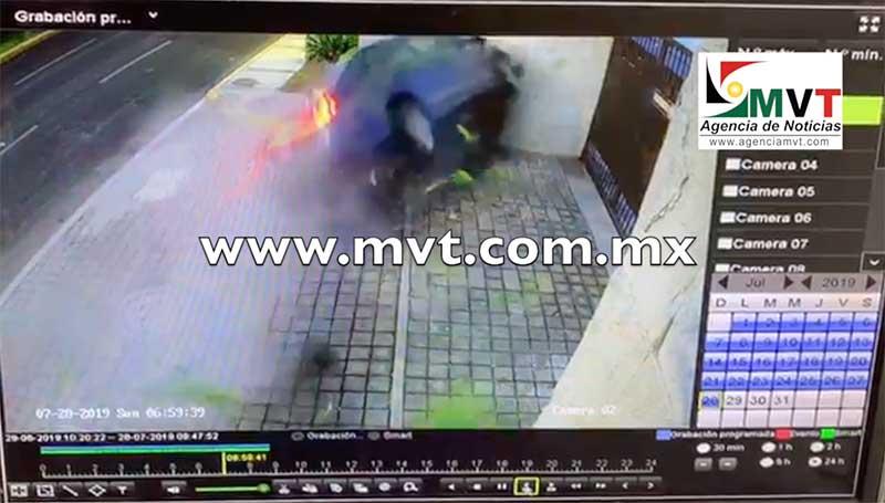 Cámaras de seguridad registran accidente de Av. Comonfort