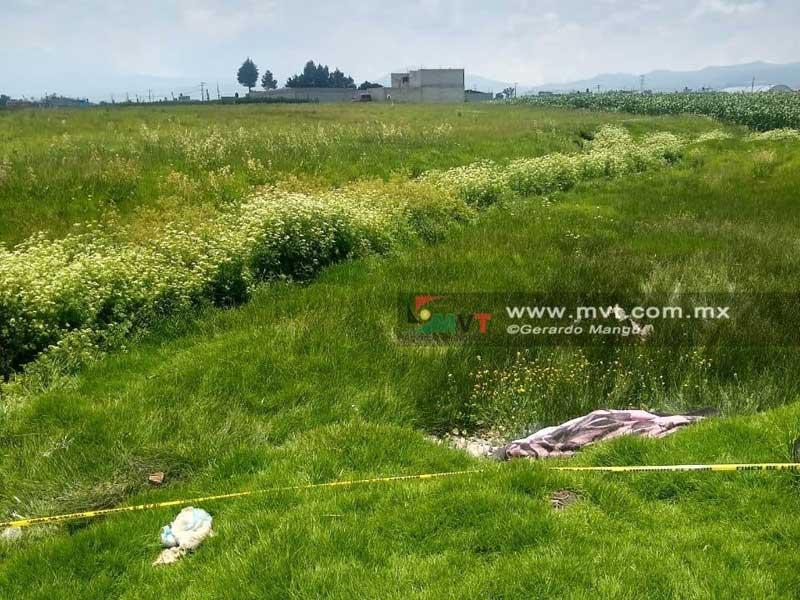 Tiran cadáver encobijado en Zinacantepec
