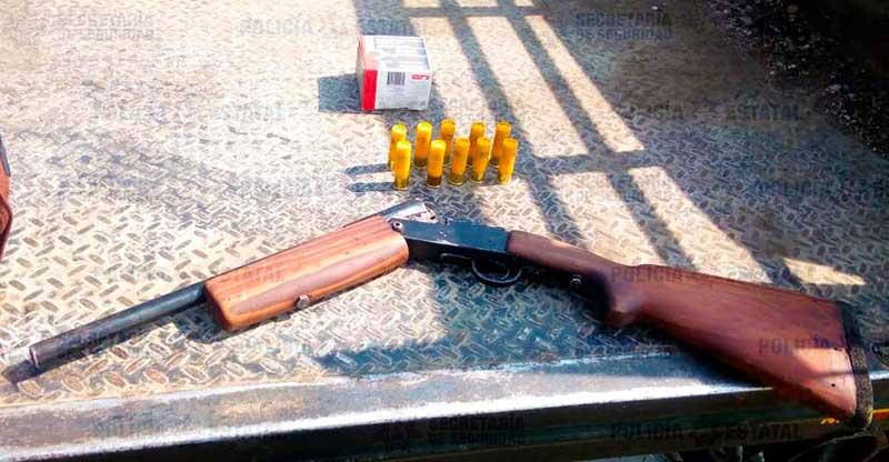 Es detenido por transportar una escopeta en Metepec