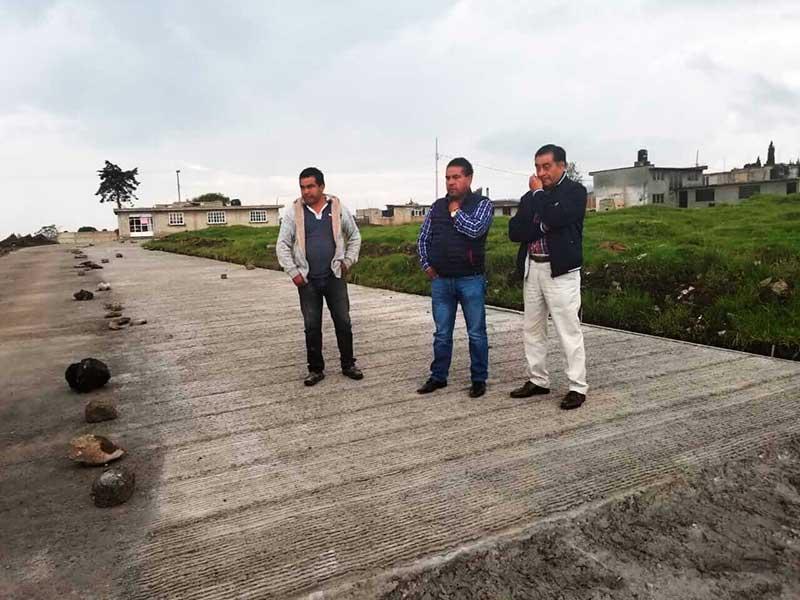Avanza la pavimentación con concreto hidráulico en San Lorenzo Cuauhtenco