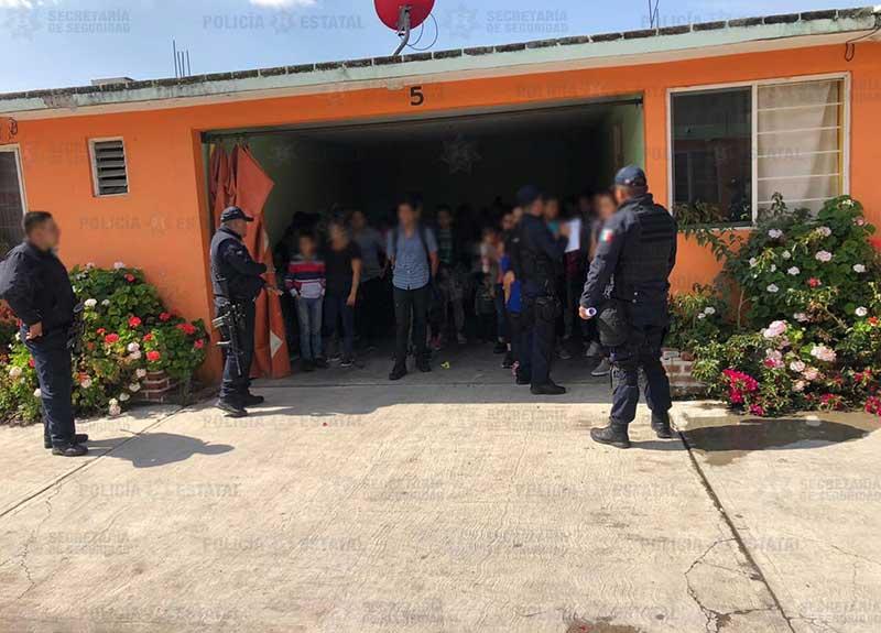Detienen a 83 indocumentados escondidos en un motel de Soyaniquilpan