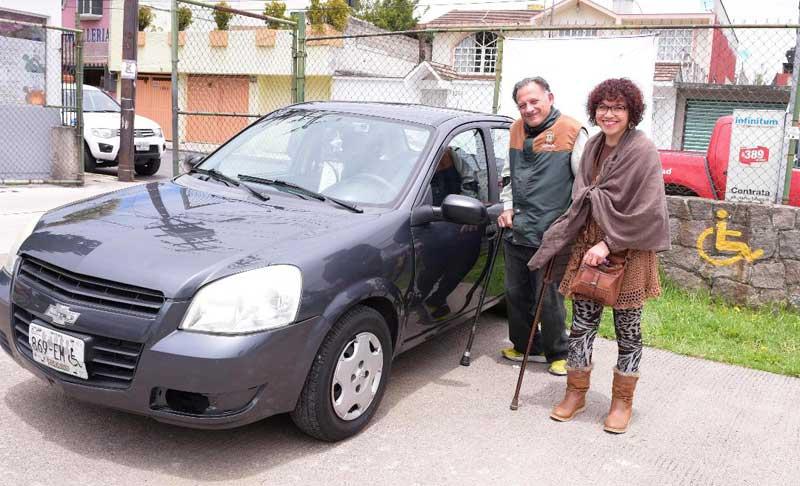 El DIFEM emite certificados médicos para obtener placas vehiculares para gente con discapacidad