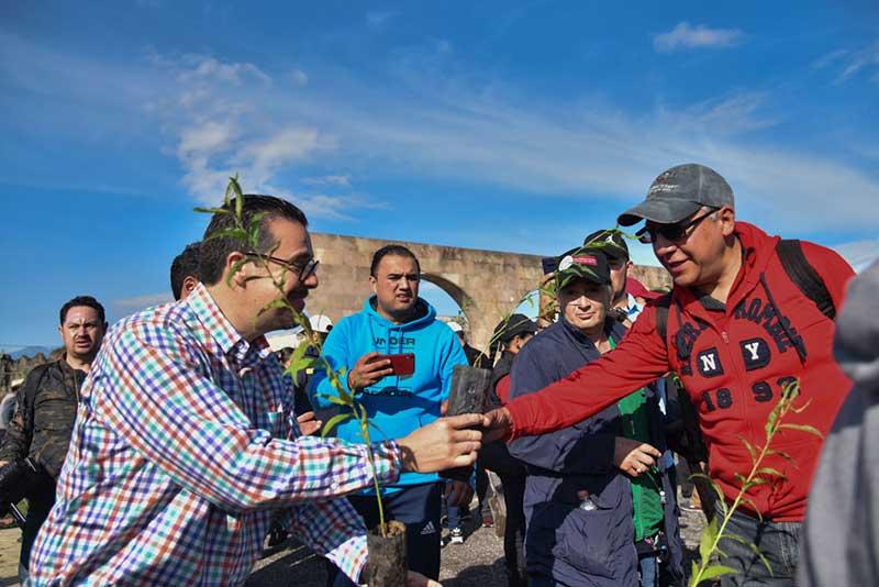 La Legislatura se une a reforestación de Toluca