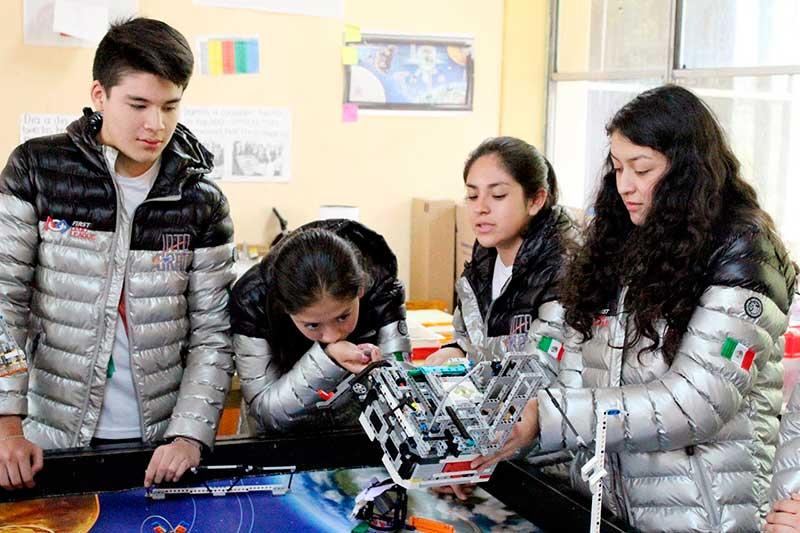 Alumnos de la secundaria 12 Héroes de la Independencia, en Toluca, competirán en torneo internacional de robótica