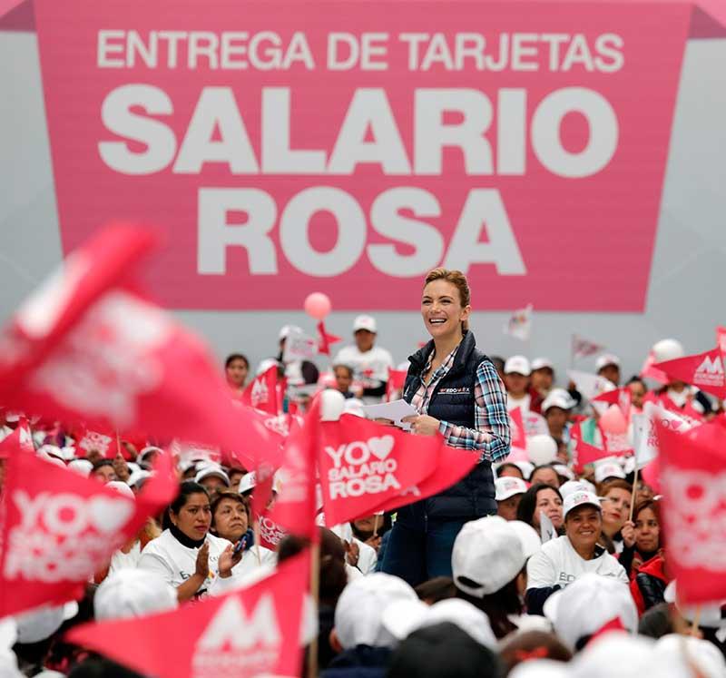 Apoyan con Salario Rosa a amas de casa que tienen hijos con discapacidad