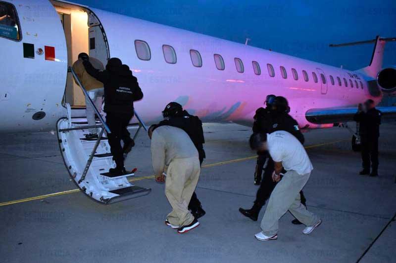 Trasladan 91 presos a penales federales