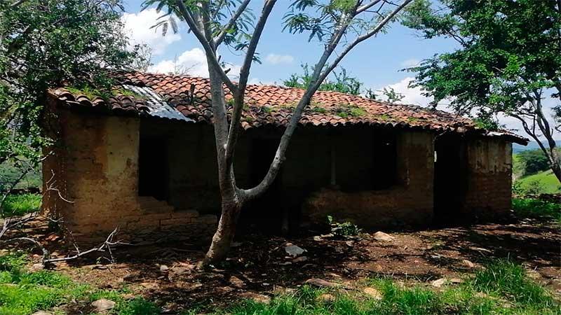 Policías localizan y rescatan en Zacualpan a 4 secuestrados más