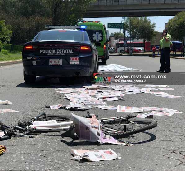 Camión atropella a ciclista repartidor de periódicos