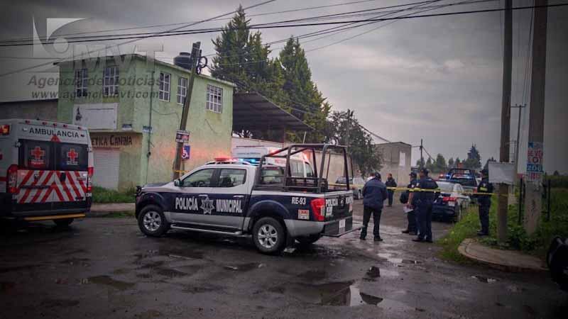 Asesinan a dos hombres, en un criadero de gallos en Metepec