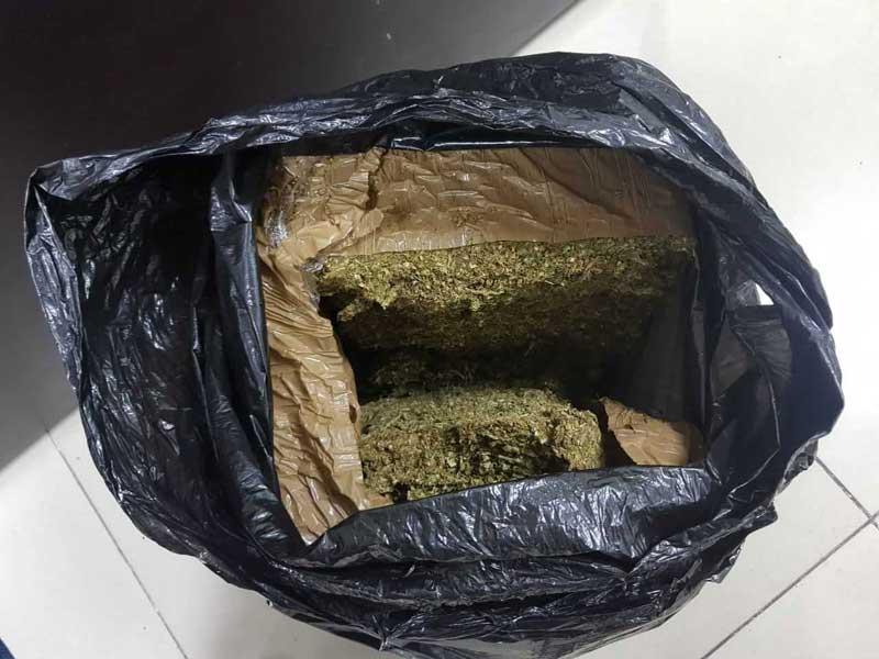 Agentes catean casa en San Andrés Cuexcontitlán y aseguran 3 kilos de marihuana