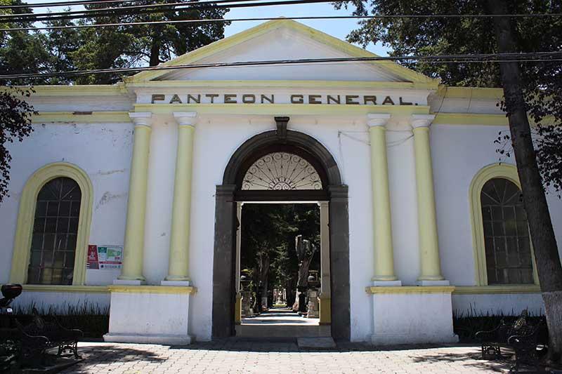 Llaman a refrendar fosas en Cementerio Municipal y Panteón General