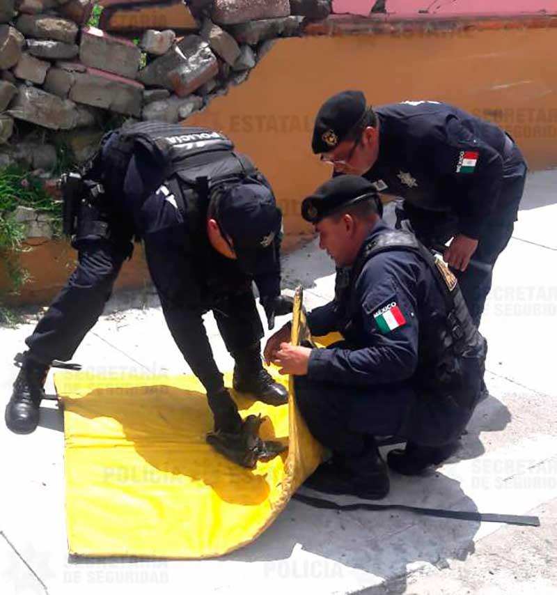 Policías neutralizan un artefacto explosivo dejado en el centro de Metepec
