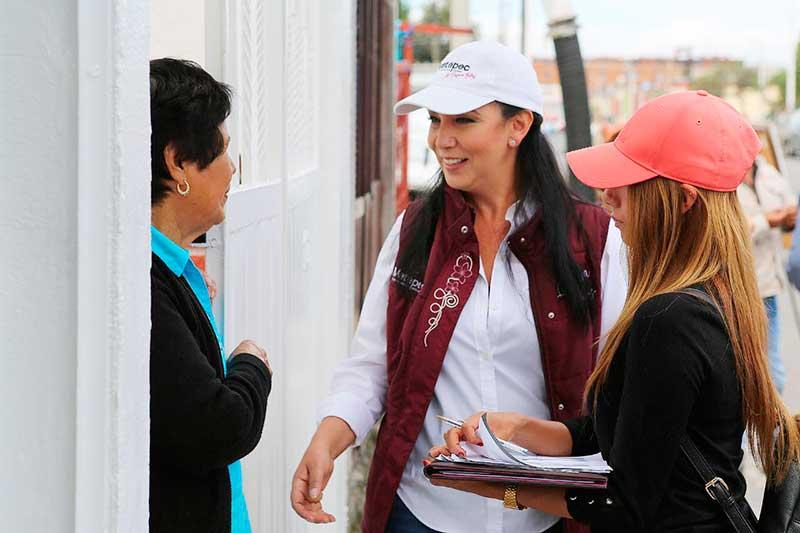 Gaby Gamboa supervisa trabajos en Rancho San Francisco Metepec