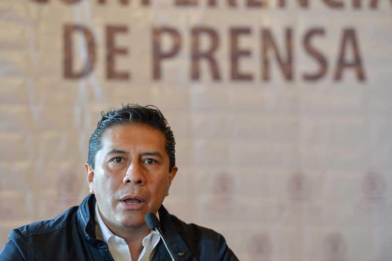 Tres policías de Toluca son separados del cargo por actos de corrupción