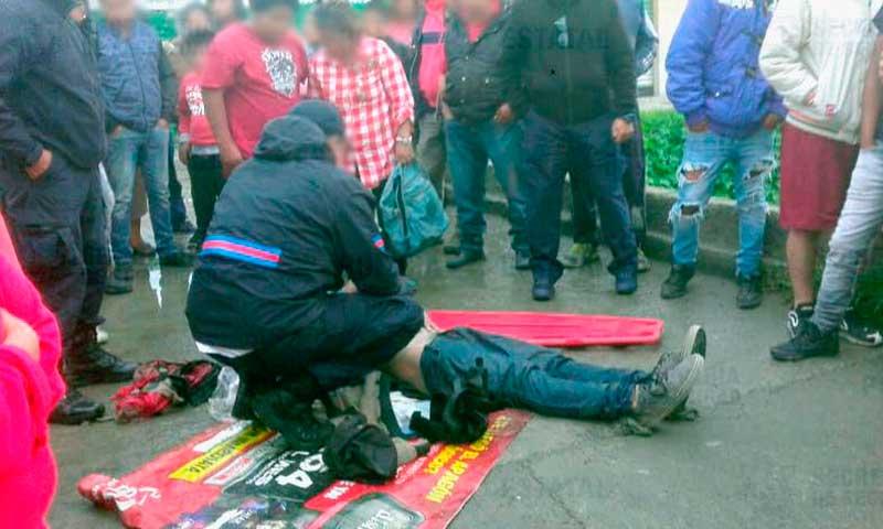 Menor es rescatado de ser linchado por robar a pasajeros al norte de Toluca