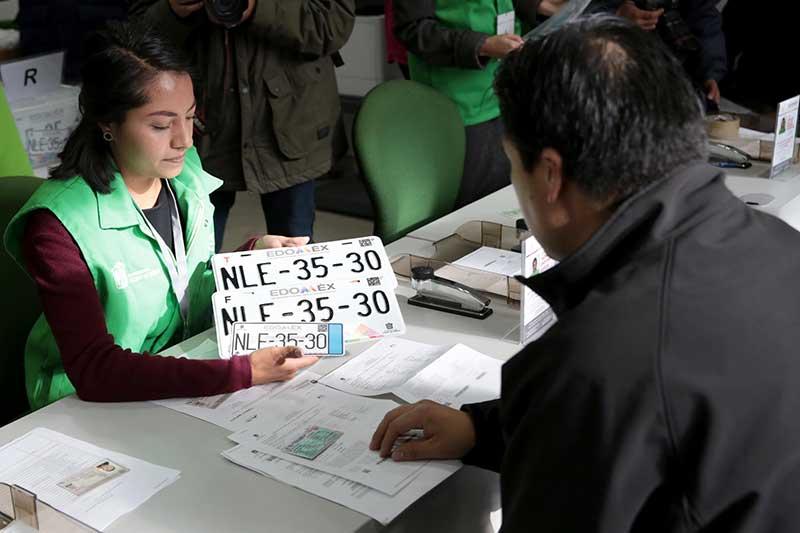Abren un centro de entrega de placas en San Mateo Atenco