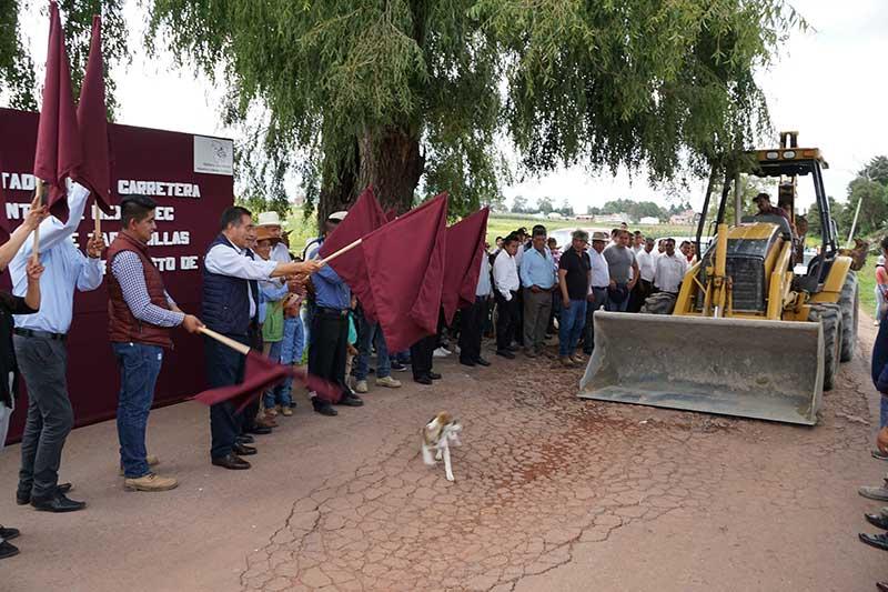 Arranca la pavimentación de la carretera Mextepec-Laguna de tabernillas