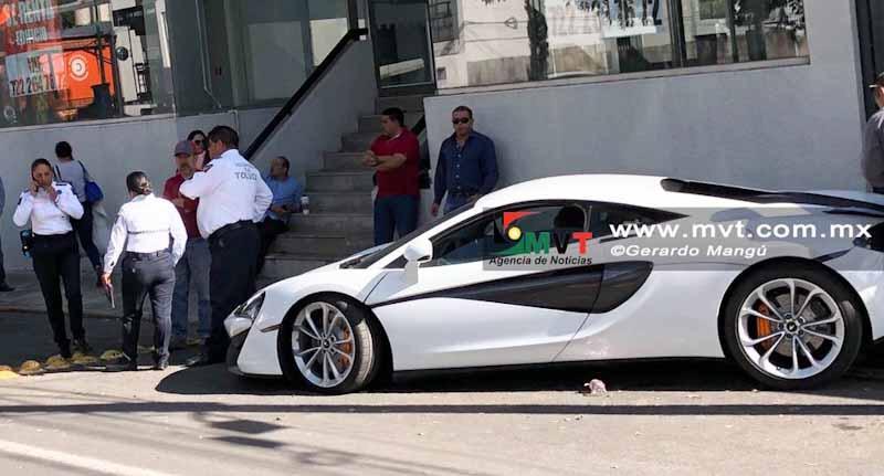 Costosos autos deportivos movilizan a policías por jugar carreritas  en Toluca