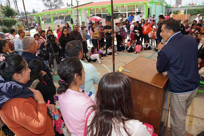Almoloya de Juárez fortalece su infraestructura con construcción de techumbre