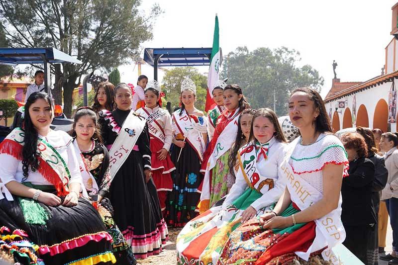 Almoloya de Juárez vive sus emblemáticas carreras de cintas de caballo