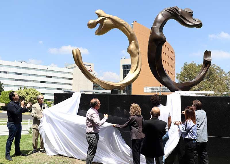 Se inaugura escultura del Maestro José Sacal en Huixquilucan