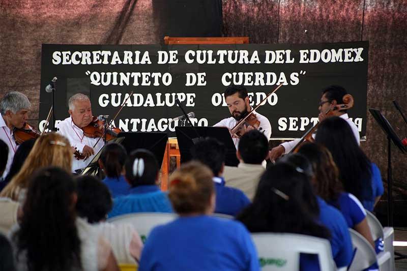 Quinteto de cuerdas de la OSEM ofrece concierto en el penal de Santiaguito