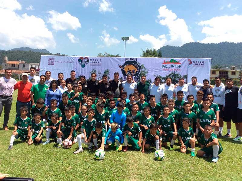 Potros UAEM inaugura escuela de fútbol en Valle de Bravo