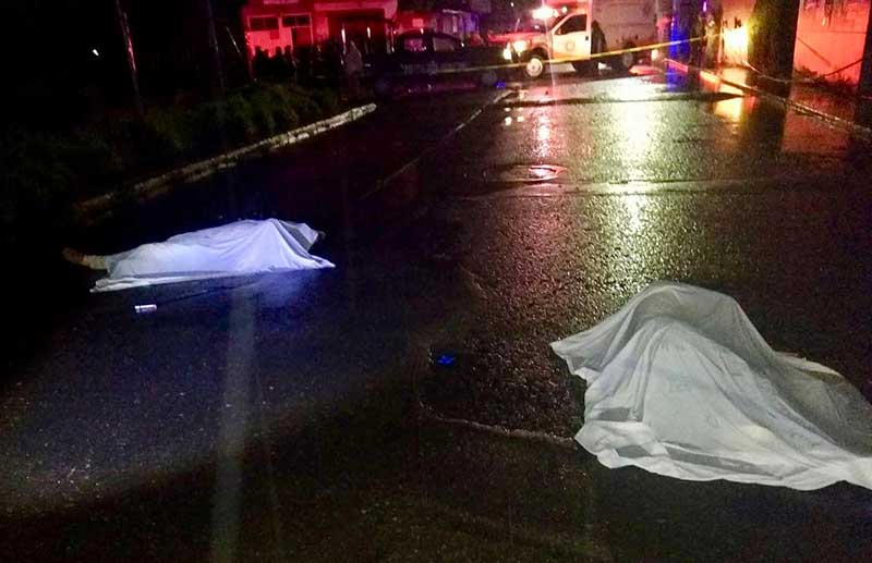 Dos hombres son asesinados a balazos en el centro de Xonacatlán