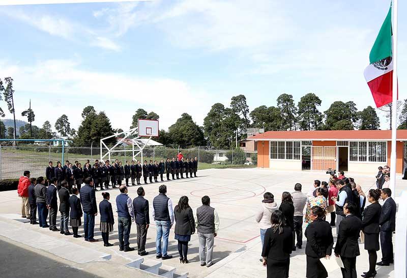 Entregan infraestructura y equipamiento a Telebachillerato de Zinacantepec