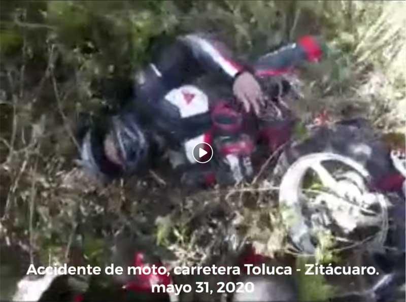 Derrapa motociclista en Av Las Torres, su acompañante muere
