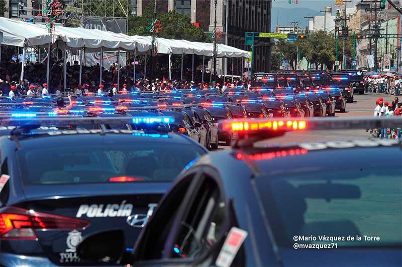 Nuevas patrullas de Toluca participan en el desfile cívico militar